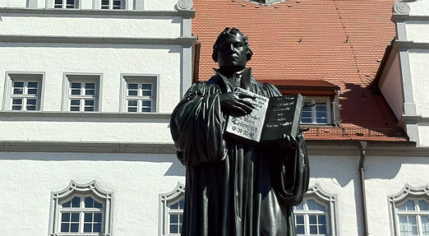 A statue of Martin Luther