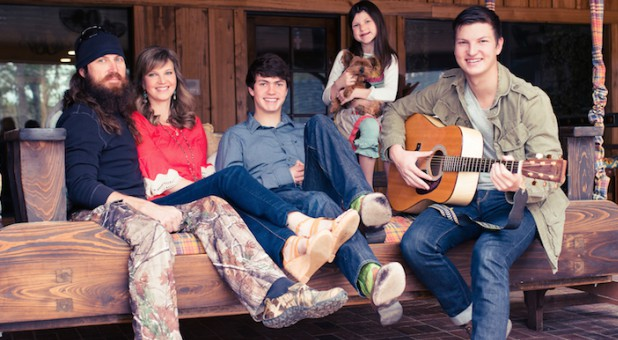Jase and Missy Robertson with their family.