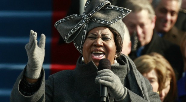 Aretha Franklin sings during the inauguration ceremony for President-elect Barack Obama in Washington, Jan. 20, 2009.