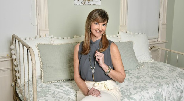 Missy Robertson models some Laminin designs.